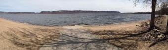 1200px-lake_pepin_panorama